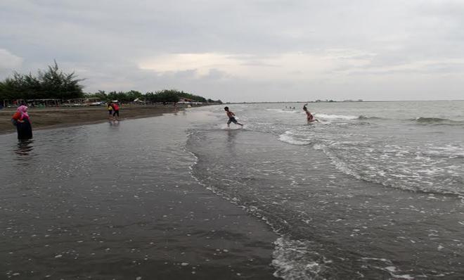 Pantai Ngebum