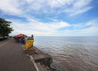 http://www.teluklove.com/2017/01/daya-tarik-objek-wisata-pantai_25.html