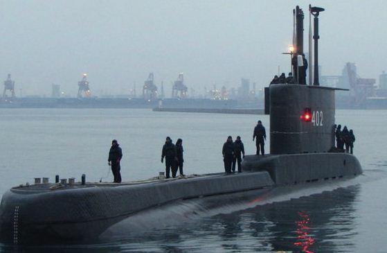 KRI Nanggala 402 saat uji coba pelayaran di Korea Selatan