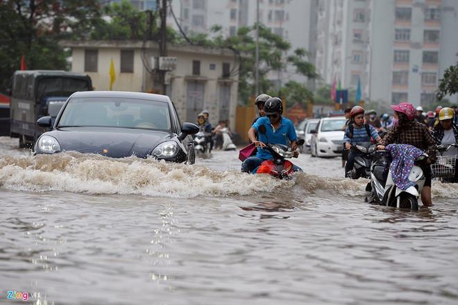 Hanoi Vietnam flood season