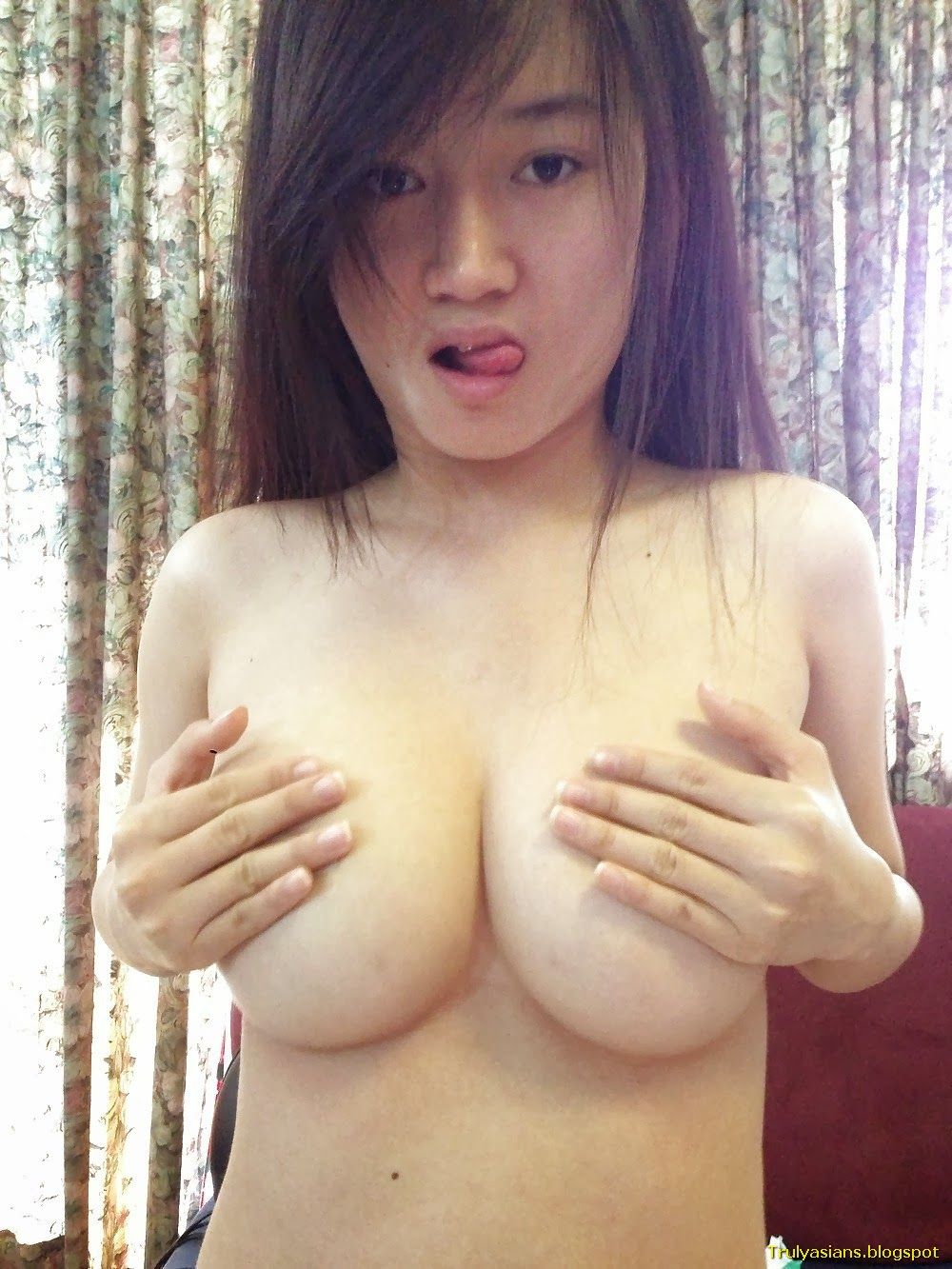 Naked Singapore Teen Hot - Ass And Pussy-9592