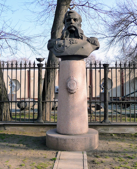 Николаев. Памятник адмиралу Г. И. Бутакову