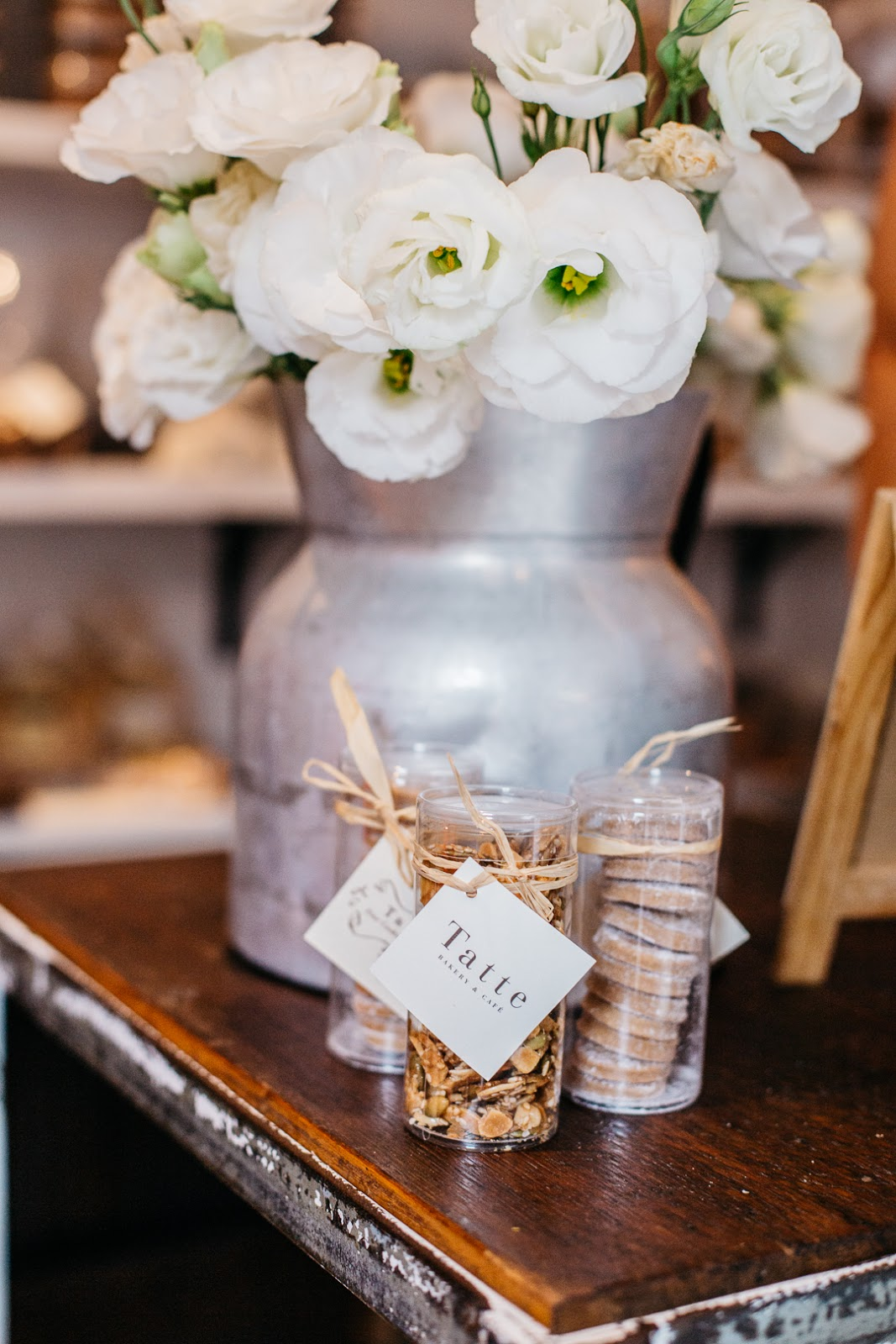 Fresh blooms and delicious cookies from Boston's Tatte Bakery PLUS lots of amazing links for your weekend ahead