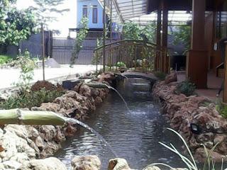 Tukang kolam hias di Cibubur