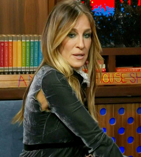 Sarah Jessica Parker rips her dress promoting her upcoming show 'Divorce' while on 'Watch What Happens Live' with Andy Cohen on October 06, 2016. (Image Courtesy of Bravo)