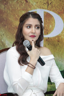 Anushka Sharma with Diljit Dosanjh at Press Meet For Their Movie Phillauri 048.JPG