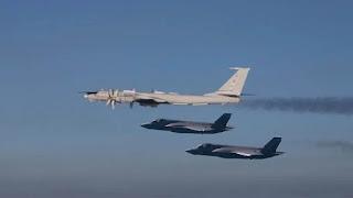 F-35 Mencegat Bomber Tu-142
