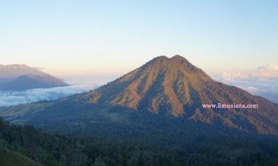gunung raung tertinggi di Indonesia