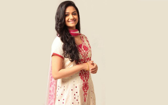 Actress Keerthy Suresh HD Wallpaper
