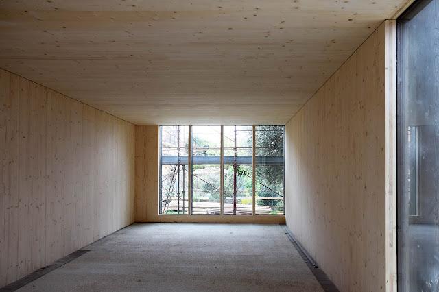 casa prefabbricata in legno passiva interno con legno a vista