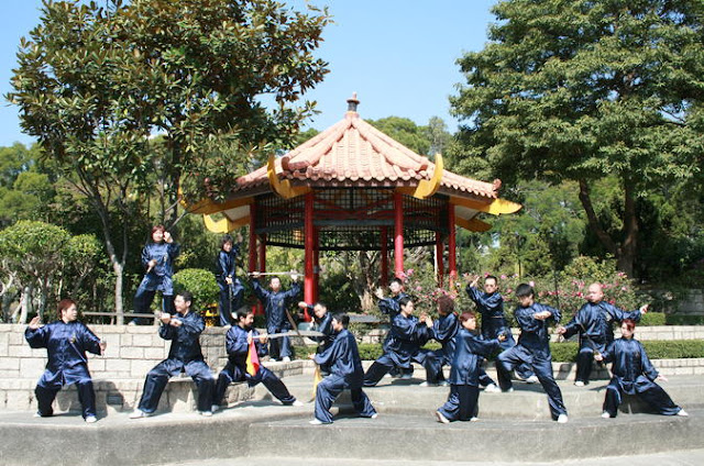 Watch the Kung Fu demonstration at Kowloon