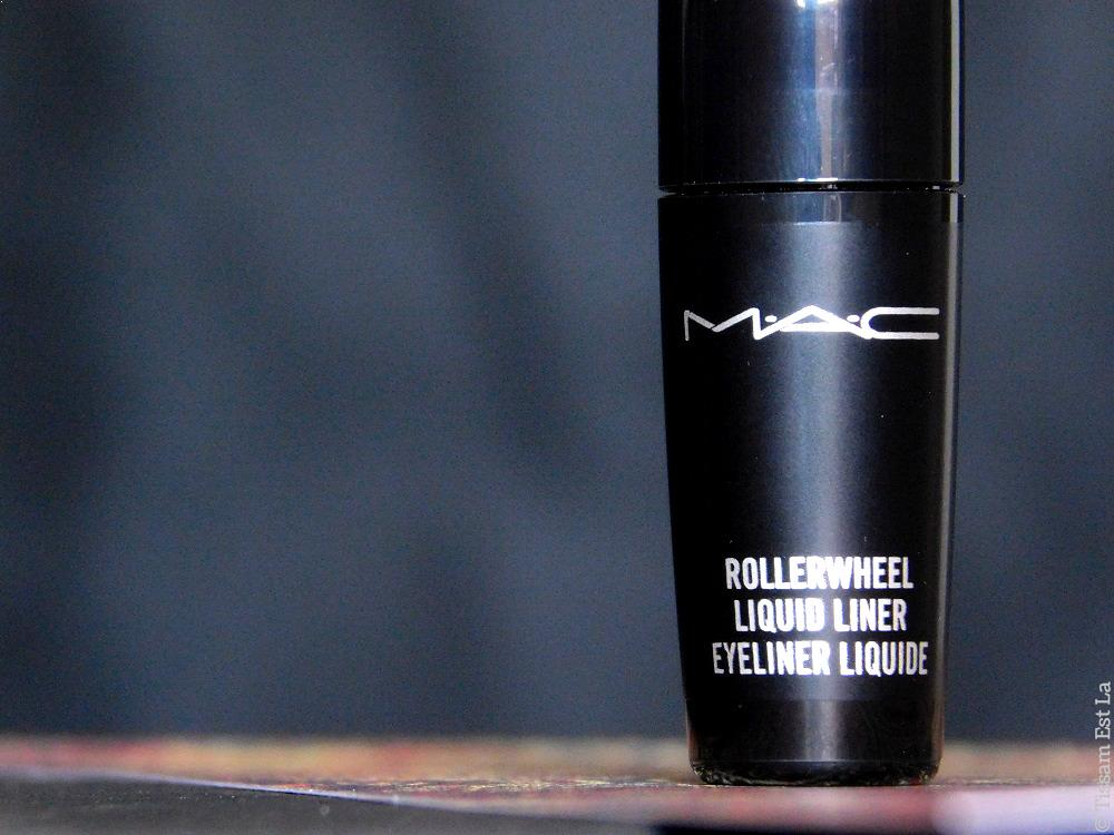 M.A.C. Cosmetics - Rollerwheel Liquid Liner On a Roll Black Review & Swatches | Avis et Swatch Eyeliner Liquide RollerWheel - Woosh Cosmetics