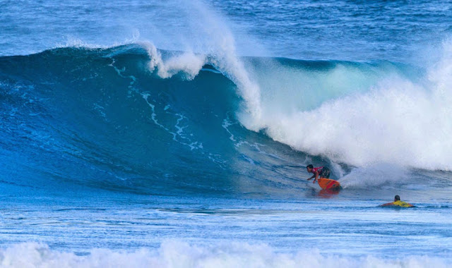 56 Vans World Cup of Sufing 2014 Keanu Asing Foto ASP