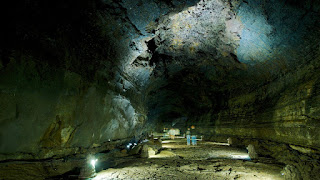Manjang Cave