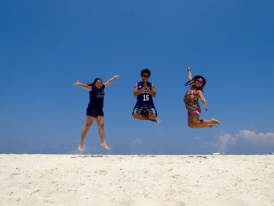 Camille Lequin at Kalanggaman Island, Palompon, Leyte.  Best beaches in the Philippines