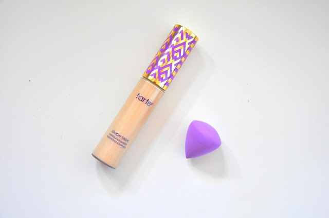 korektor tarte shape tape, mini gąbeczka tarte