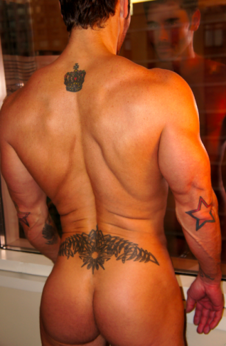 muscle chics asses nude