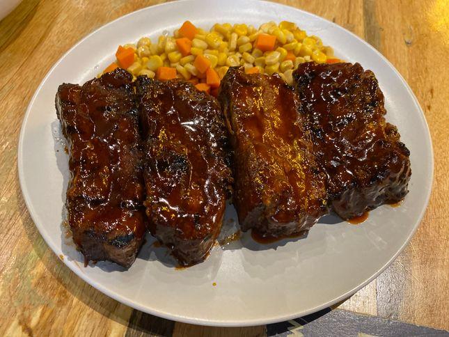Blake's Wings & Steaks Dibs on Ribs