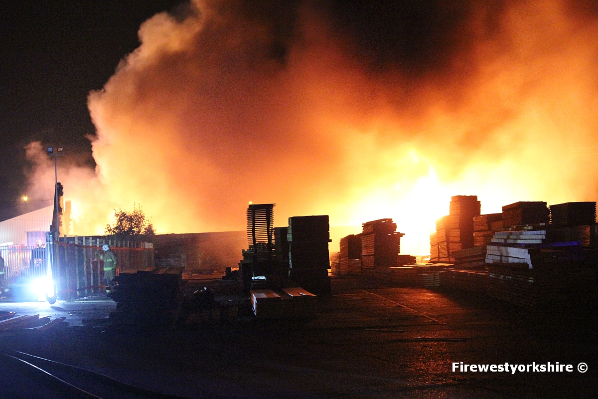Grahams Fire Page Fire At Carpet Factory In Liversedge
