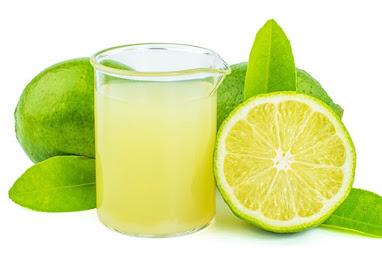 Bajar de peso tomando agua con limon en ayunas