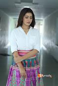 Rashi Khanna Dazziling Pics-thumbnail-3