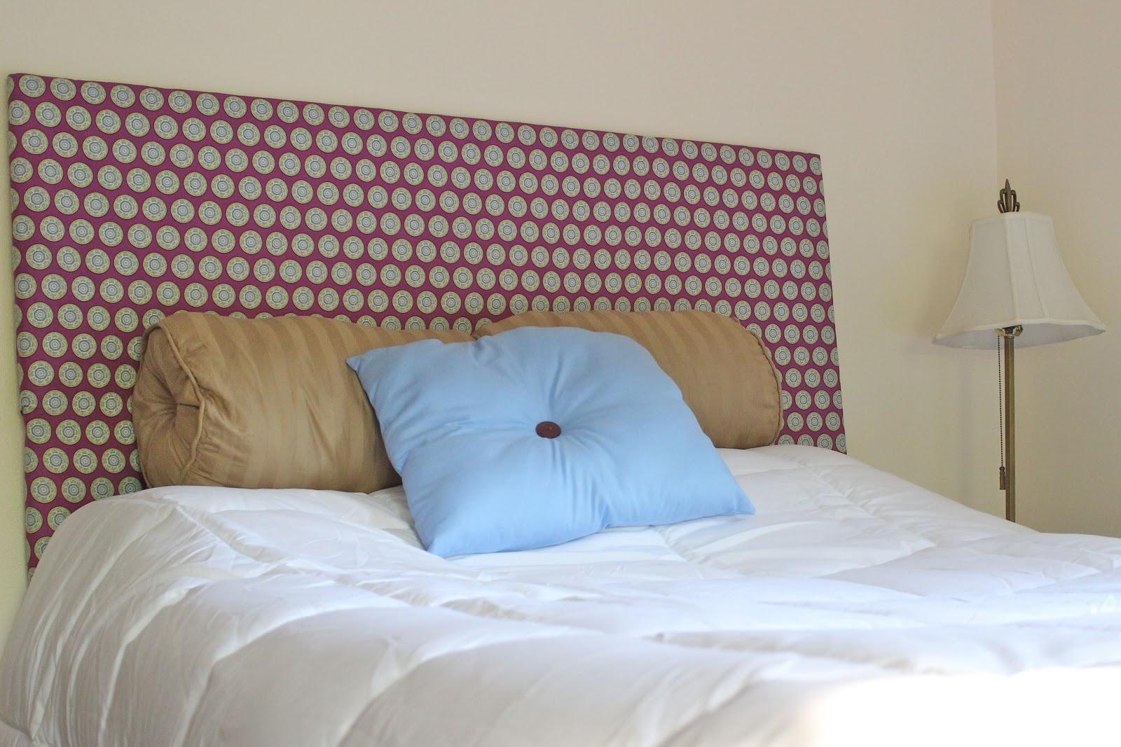 Dina's Days: DIY: Fabric Headboard