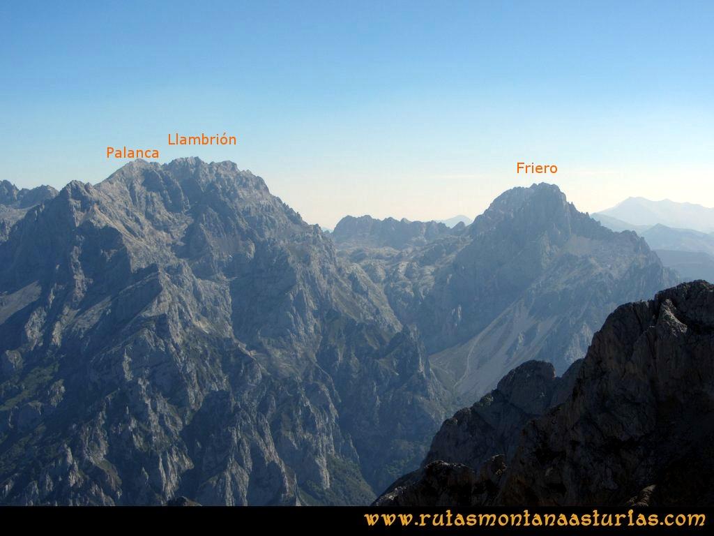 Ruta Ercina, Verdilluenga, Punta Gregoriana, Cabrones: Desde la Torre de los Cabrones, vista de la Palanca, Llambrión y Torre del Friero