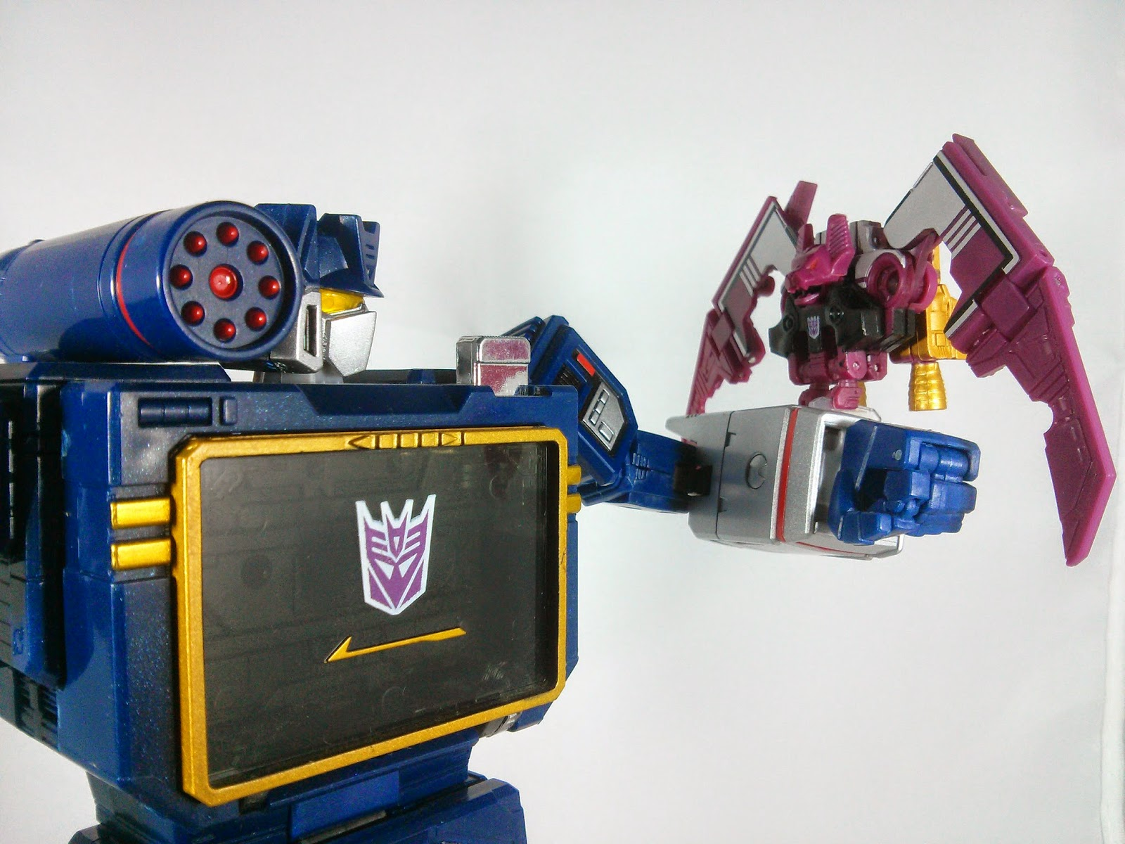 masterpiece ratbat and soundwave