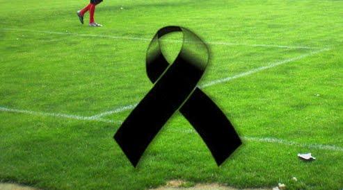 Giocatore di calcio collassa e muore dopo una pallonata al petto