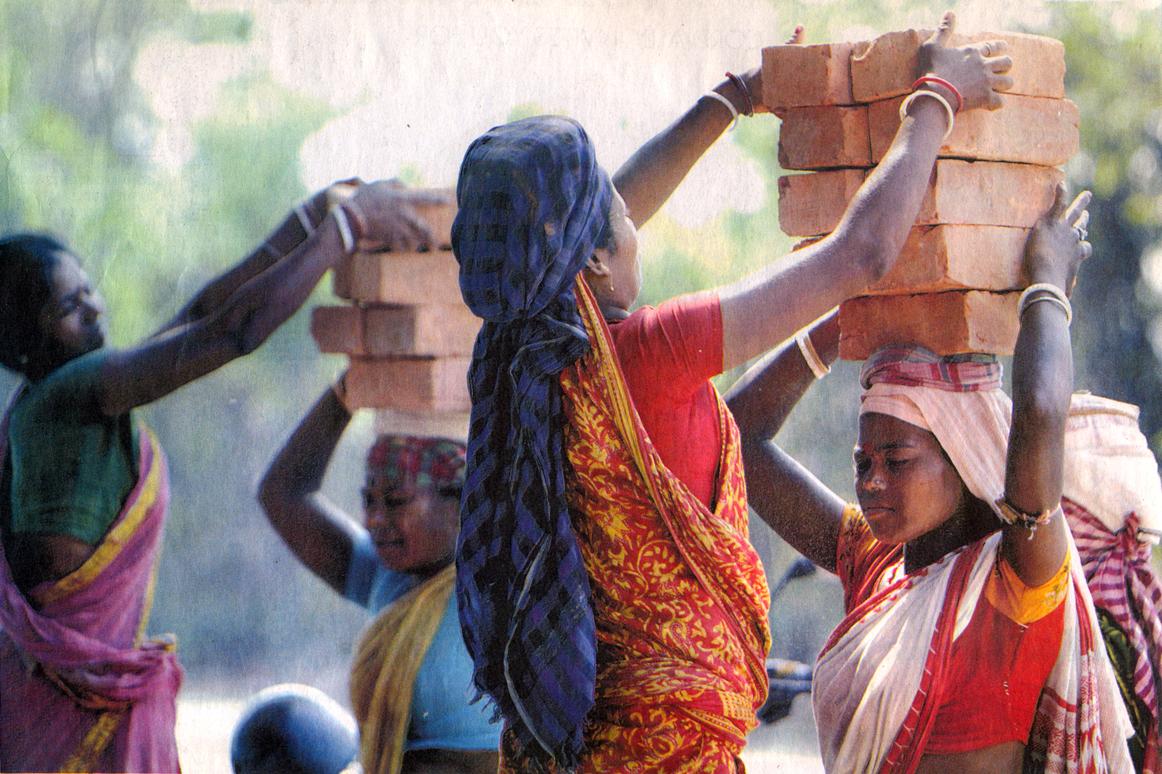 dunia dalam gambar wanita pekerja keras