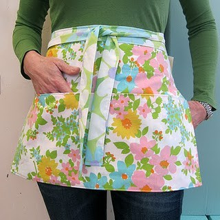 Things to sew - vintage sheet apron