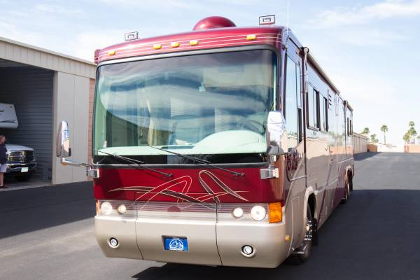 used rvs 2001 monaco signature motorhome for sale for sale by owner. Black Bedroom Furniture Sets. Home Design Ideas