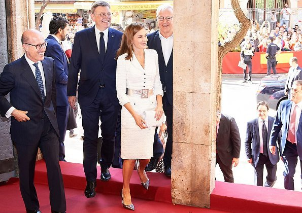 Queen Letizia wore Felipe Varela dress and Magrit shoes, carried Felipe Prieto cluth bag, Felipe Varela silver belt