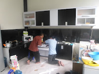 Kitchen Set Warna Monokrom - Furniture Semarang