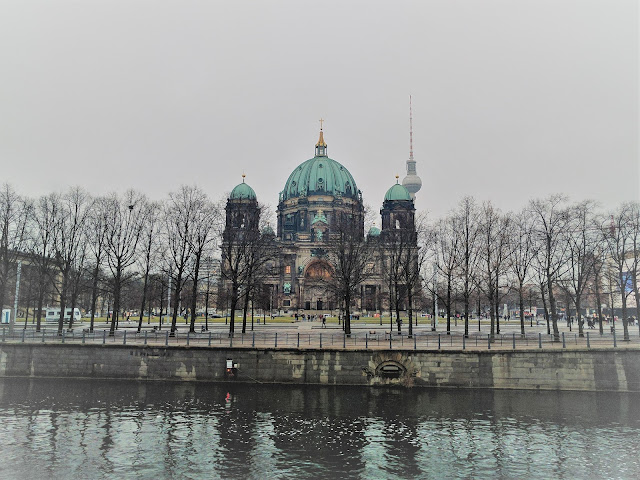 Berlin Dom, near the river
