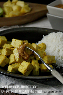 http://www.greencooking.pl/2013/03/smazone-tofu-z-sosem-satay.html