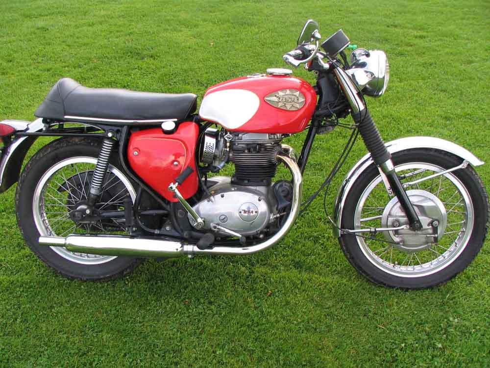 MOTORCYCLE 74: BSA