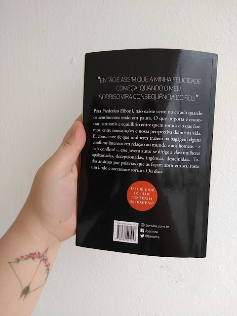 Nesta imagem, estou mostrando a contracapa do livro Um sorriso ou dois