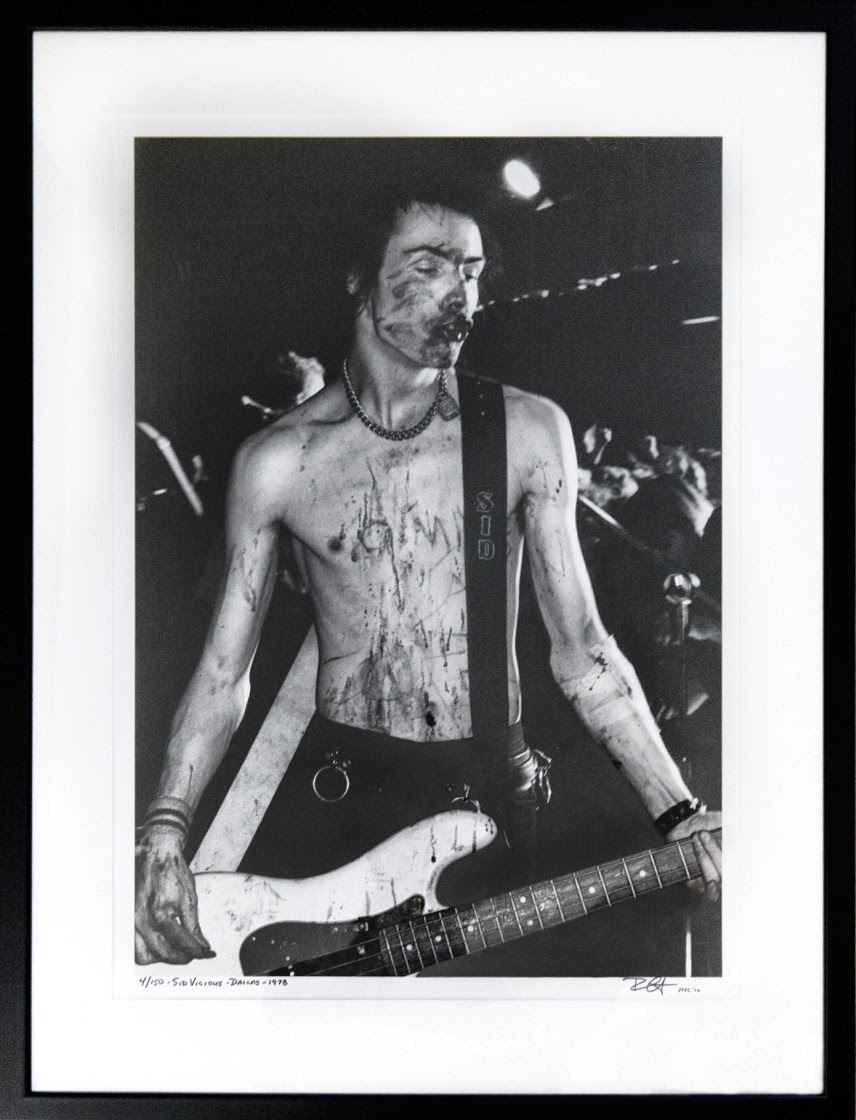 The Photography of Punk. Sid Vicious. Covered in blood Dallas TX. Bob Gruen