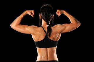 4 Jenis Olahraga yang Efektif Membentuk Otot Wanita - Hello Sehat, 10 tips membangun otot untuk wanita - Reps Indonesia, 25 Cara Membentuk dan Membesarkan Otot Lengan Dalam 1 Minggu