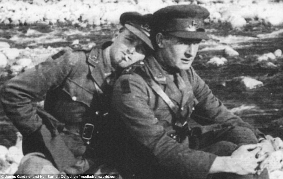 GAY SOLDIERS in two world wars ...