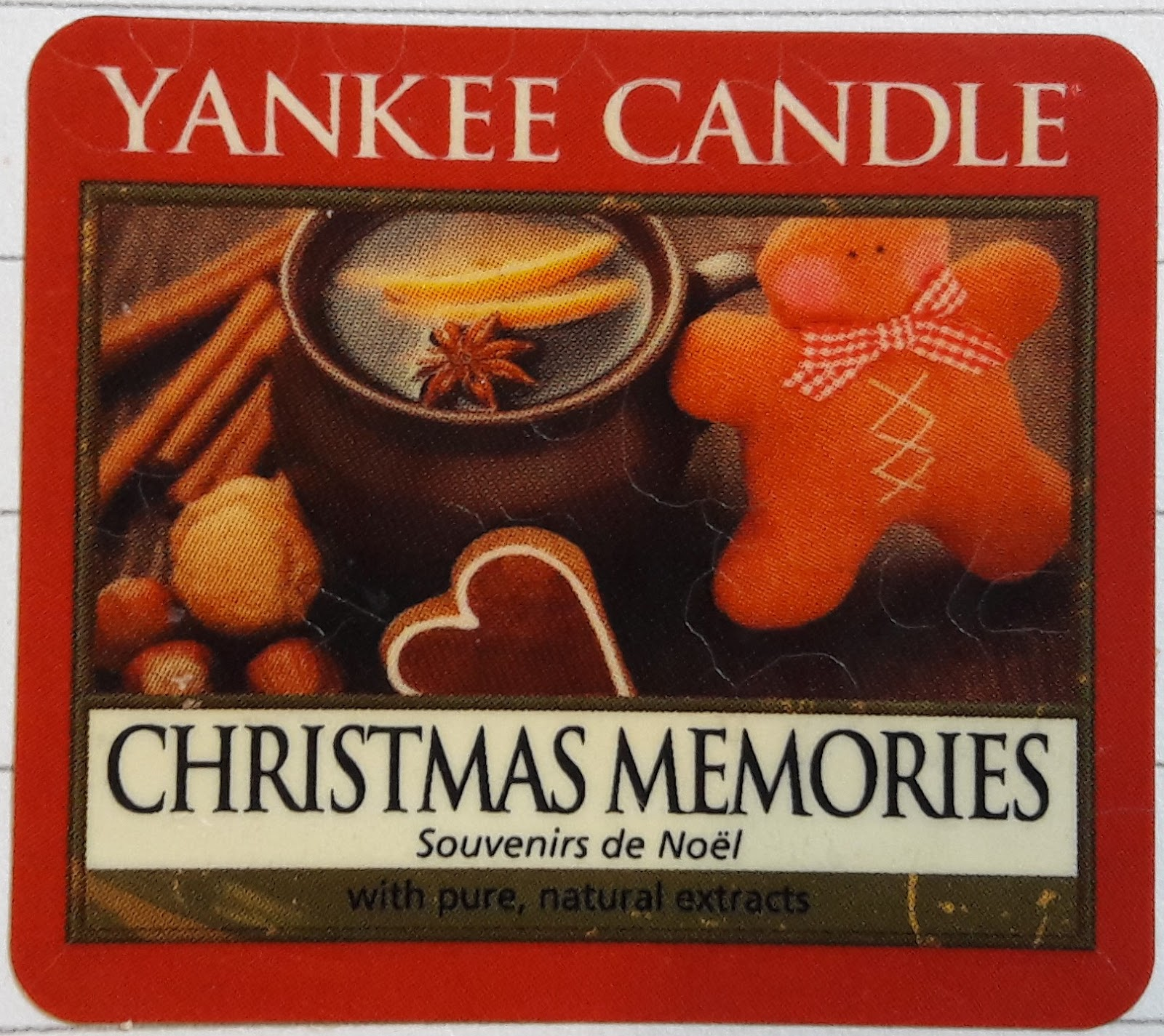 Pineapple Candles: Yankee Candle.Christmas Memories
