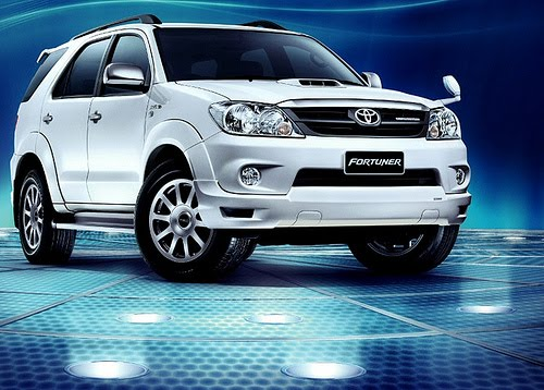 Cool Car Wallpapers: Toyota fortuner 2012