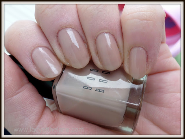 Bobbi Brown Nail Polish in Roza