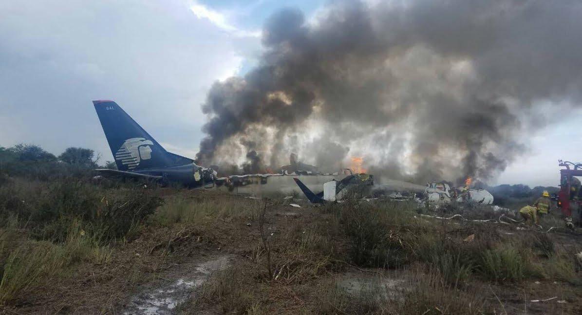 Cade aereo Aeromexico in Messico: è un miracolo! Nessun morto tra i 100 passeggeri.