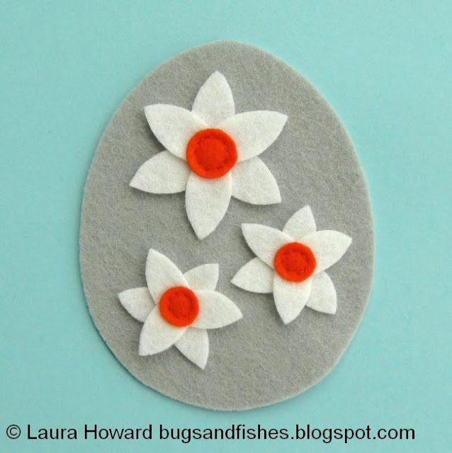sew the narcissi trumpets with backstitch