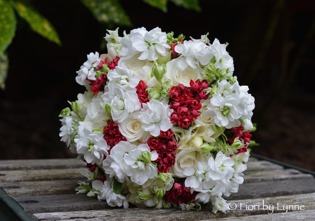 Wedding Flowers Blog Hannahs Red And White Summer Wedding Flowers