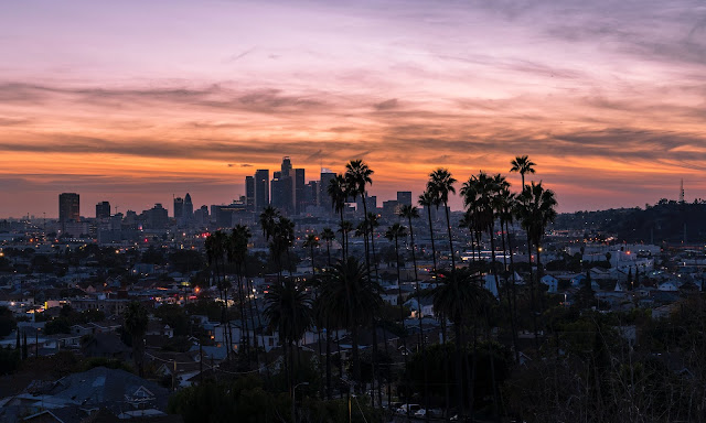 THE ULTIMATE GUIDE TO LOS ANGELES