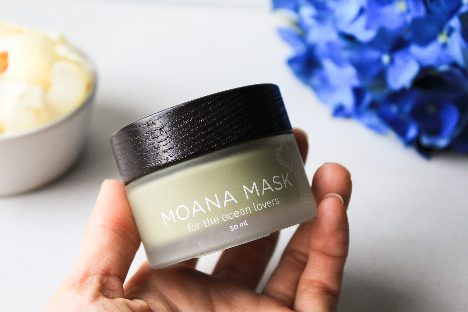 Honua Skincare Moana Mask - For the Ocean Lovers. June 2018 Beauty Discovery by Beauty Heroes. Gel like texture.