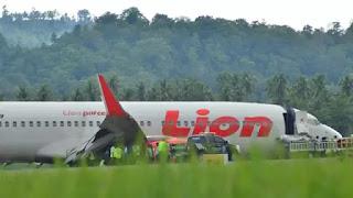 Pesawat Jatuh Lion Air JT 610 Musibah Lagi di Indonesia!! Basarnas Temukan Puing